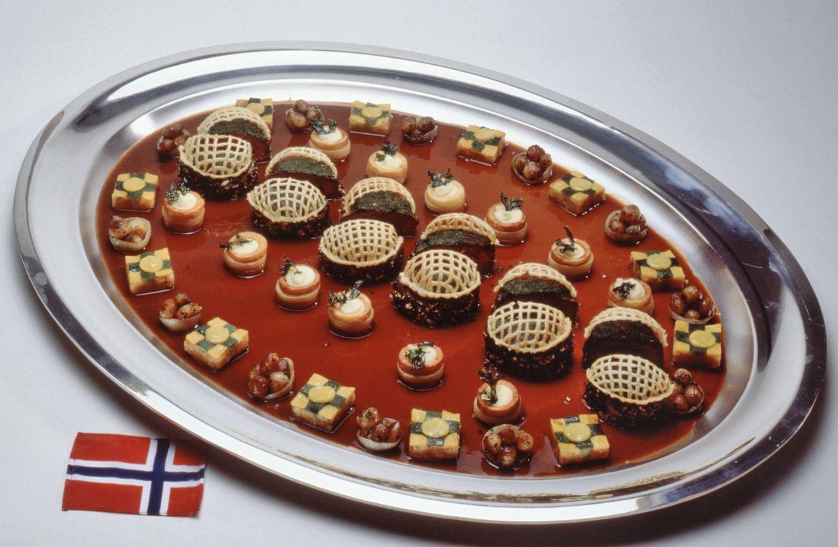 Chateaubriand truffé, poireaux et chanterelles sautées, sauce au porto