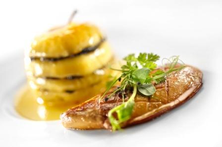 Belles de Boskoop aux truffes noires, foie gras de canard Rougié
