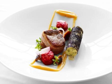 Boeuf d'Irlande bardé, foie gras poêlé, purée de pommes de terre goûteuse