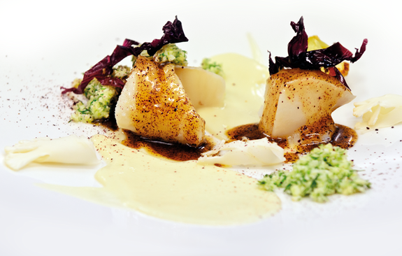 "Lightly smoked and poached Icelandic cod, three-way cauliflower and ""söl"" vinaigrette"